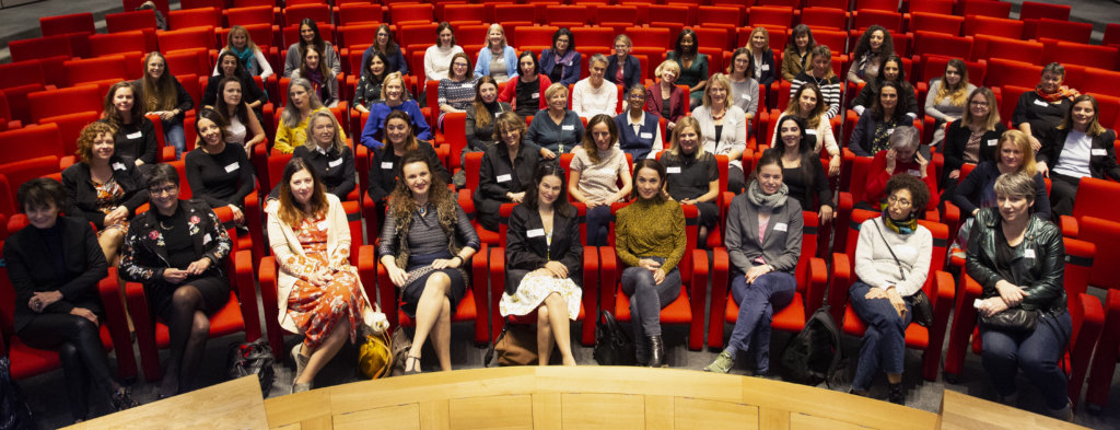 <p>100 donne e mille altre: una pubblicazione, video e numerosi eventi.</p>